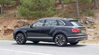 Плагин-гибридный Bentayga вышел на тесты. Видео Bentley Bentayga