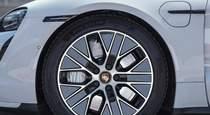 Тест драйв Porsche Taycan Turbo иду на грозу