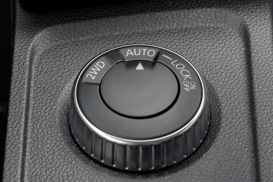 Тест драйв нового Renault Duster  Ногу в стремя