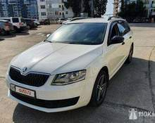 Skoda Octavia: 2015 Combi Active 1.6 AT универсал Сочи 1.6л 660000 Р