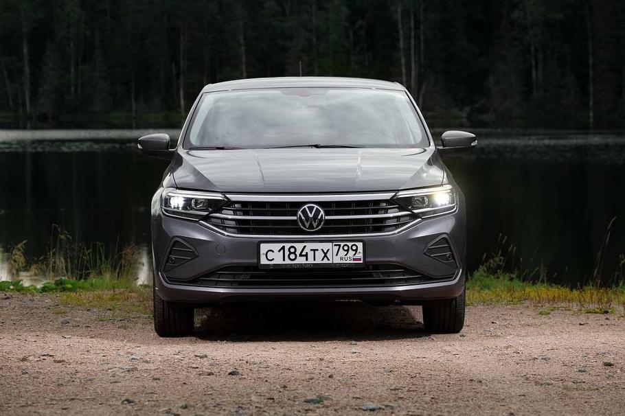 Тест драйв лифтбека Volkswagen Polo  второе лицо