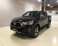 Toyota Hilux: 2018 Exclusive 2.8d AT 4x4 пикап Москва 2.8л 2670000 Р
